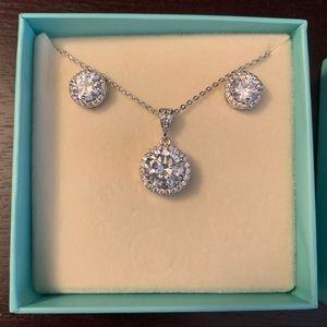 NEW Amy Jane Halo crystal jewelry set